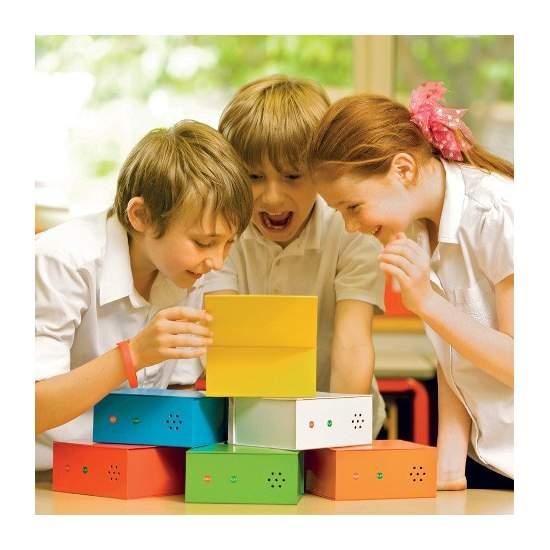 6 Cajas parlantes multicolor