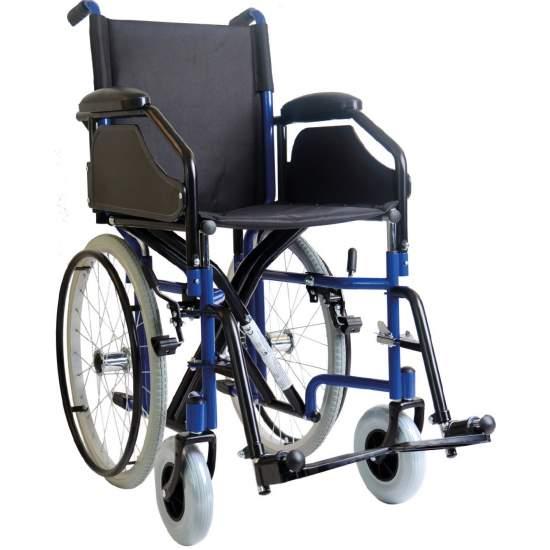 Schmaler Rollstuhl für den Aufzug