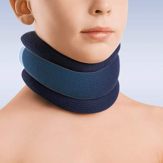 Pediatric semi-rigid collar