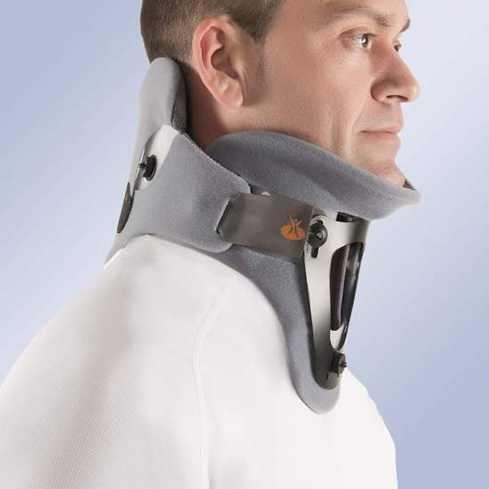 Bivalve cervical collar...